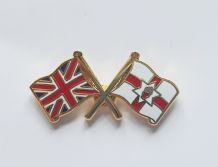 UNION JACK & NORTHERN IRELAND - FLAG FRIENDSHIP BADGE (T1237)